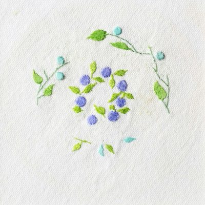 Patricia Van Ness Embroidery: Vines and Wreath #154
