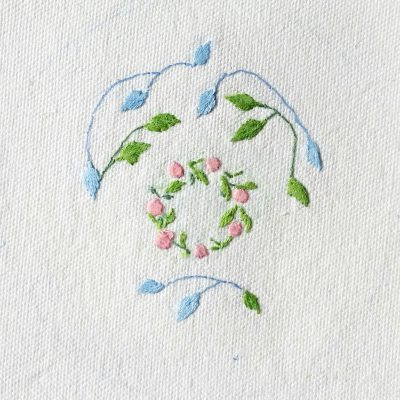 Patricia Van Ness Embroidery: Vines and Wreath #201
